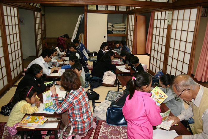外国につながる子どもたちのための宿題教室